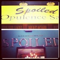 Photo prise au Spoiled Opulence Salon par Beautii J. le10/18/2012
