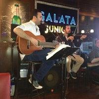 รูปภาพถ่ายที่ Galata Junior Restaurant โดย ugur e. เมื่อ 3/31/2013