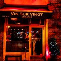 Foto scattata a Vin Sur Vingt da Rob G. il 12/10/2012