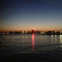 รูปภาพถ่ายที่ Hudson River Park โดย Jason T. เมื่อ 6/1/2013