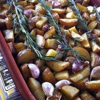 รูปภาพถ่ายที่ Casimiros Boteco Gourmet โดย Bia A. เมื่อ 9/23/2012