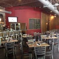 Das Foto wurde bei Sprig Restaurant von favthingsatl am 7/14/2013 aufgenommen
