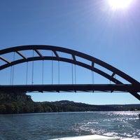 Снимок сделан в 360 Bridge (Pennybacker Bridge) пользователем Stone S. 10/19/2013