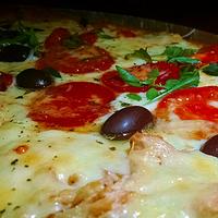 Foto diambil di Pizzaria Integrale oleh Comida pra C. pada 9/23/2015