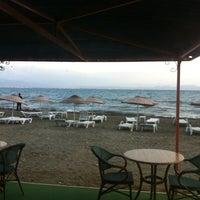 Foto diambil di İstasyon Restaurant oleh Levent N. pada 10/27/2012