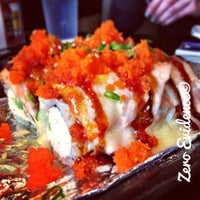 Photo prise au Rock & Roll Japanese Cuisine par Tam D. le3/2/2013