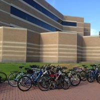 รูปภาพถ่ายที่ Mays Business School โดย Marcus C. เมื่อ 9/11/2013