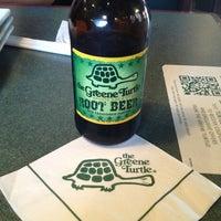 Das Foto wurde bei The Greene Turtle von Roy H. am 8/20/2013 aufgenommen