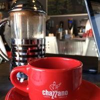 Photo prise au Chazzano Coffee Roasters par Julie Y. le3/24/2015