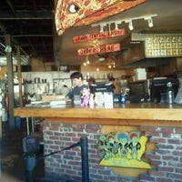 Foto tomada en Grant Central Pizza por Sade F. el 11/29/2012