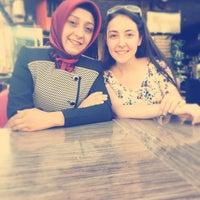 Foto diambil di Hanzade Pasta & Cafe oleh Yasin Y. pada 8/6/2015