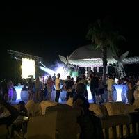 Foto tomada en Cesars Night Club por Okan D. el 7/21/2018