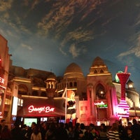 รูปภาพถ่ายที่ Miracle Mile Shops โดย kyle m. เมื่อ 12/25/2012