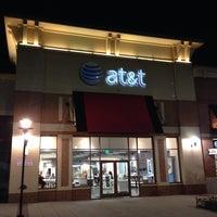 Das Foto wurde bei AT&T von Rami A. am 11/6/2013 aufgenommen