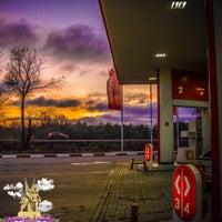 Снимок сделан в Лукойл АЗС №68 пользователем Калач-на-Дону Г. 12/4/2015