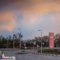 Снимок сделан в Лукойл АЗС №68 пользователем Калач-на-Дону Г. 3/18/2016