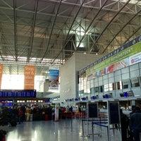 4/7/2013 tarihinde Nick B.ziyaretçi tarafından Terminal 2'de çekilen fotoğraf