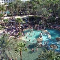 รูปภาพถ่ายที่ Hard Rock Hotel Las Vegas โดย Peggy W. เมื่อ 5/11/2013