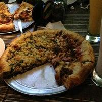 Photo prise au Salvator's Pizza par Brianith A. le12/24/2012