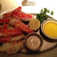 1/3/2013 tarihinde Paulziyaretçi tarafından Joe's Seafood, Prime Steak & Stone Crab'de çekilen fotoğraf