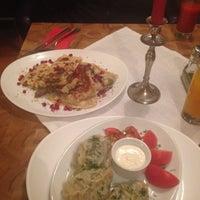 Foto diambil di APSHERON Restaurant oleh Karina M. pada 12/5/2014