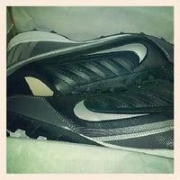 11/22/2012 tarihinde Kyle W.ziyaretçi tarafından Big 5 Sporting Goods'de çekilen fotoğraf