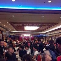 Photo prise au Jing Fong Restaurant 金豐大酒樓 par Leonor W. le12/16/2012