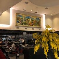 Foto tirada no(a) Radisson Blu Leogrand Hotel por Razvan C. em 7/10/2018