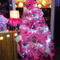 รูปภาพถ่ายที่ Rosie's Bar & Grill โดย CAESAR D. เมื่อ 11/29/2012