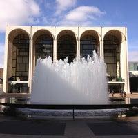 Снимок сделан в Lincoln Center for the Performing Arts пользователем CAESAR D. 11/5/2012