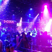 Photo prise au 1 OAK Nightclub par Roman G. le8/21/2013