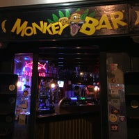 Foto tirada no(a) Monkey Bar por Nick G. em 6/26/2016