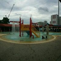 Photo prise au Woodlands Swimming Complex par Rozeani O. le11/30/2016