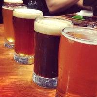 รูปภาพถ่ายที่ Lost Rhino Brewing Company โดย Daniel S. เมื่อ 3/2/2013