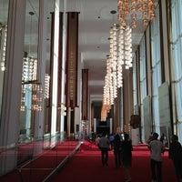 Foto tirada no(a) The John F. Kennedy Center for the Performing Arts por Bonnie N. em 4/8/2013