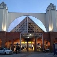 รูปภาพถ่ายที่ Estación de Málaga-María Zambrano โดย Saad O. เมื่อ 1/26/2013