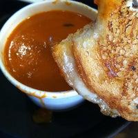 5/11/2012にIrisalva M.がSay Cheeseで撮った写真