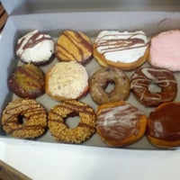 Das Foto wurde bei Sweetwater's Donut Mill von Joe K. am 6/17/2012 aufgenommen