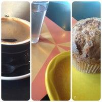 2/17/2012 tarihinde Adam L.ziyaretçi tarafından Lemonjello's Coffee'de çekilen fotoğraf