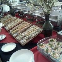 Снимок сделан в Sushi Co пользователем Fernando G. 3/25/2012