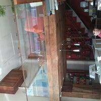 รูปภาพถ่ายที่ Mon Petit โดย Karin R. เมื่อ 7/13/2012