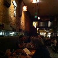 Foto tomada en Venus Restaurant por Michael B. el 8/30/2012