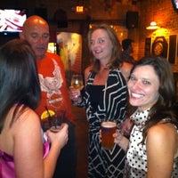 Foto tirada no(a) The Brick: Charleston's Favorite Tavern por Christopher S. em 2/25/2012