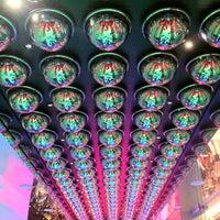 Das Foto wurde bei The Beatles LOVE (Cirque du Soleil) von David V. am 5/4/2012 aufgenommen