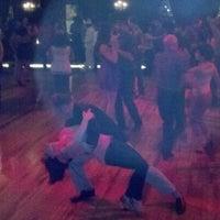 Foto tirada no(a) Century Ballroom por Tom em 5/13/2012