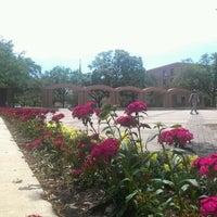 Foto diambil di The Quad oleh Kalani H. pada 4/10/2012