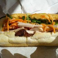 8/2/2012에 Trung N.님이 Bun Mi Sandwiches에서 찍은 사진