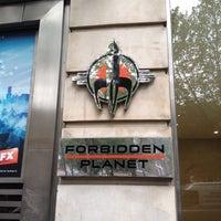 Photo prise au Forbidden Planet par Osman A. le7/16/2012