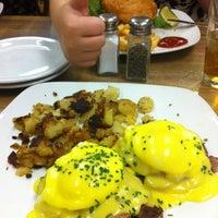 รูปภาพถ่ายที่ Weiss Deli and Bakery โดย Darrin M. เมื่อ 8/12/2012