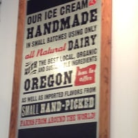 Photo prise au Salt & Straw par Tiffany N. le8/22/2012